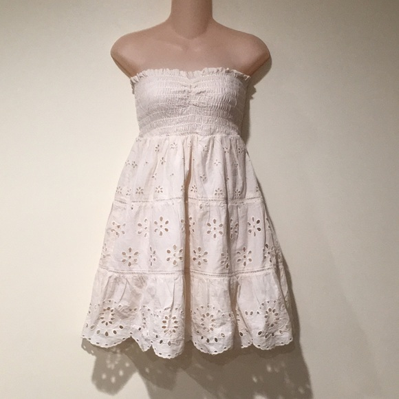 NWT's American Eagle eyelet strapless dress Small